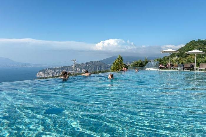 Offerte speciali estate a Sorrento - hotel 4 stelle - Grand Hotel ...